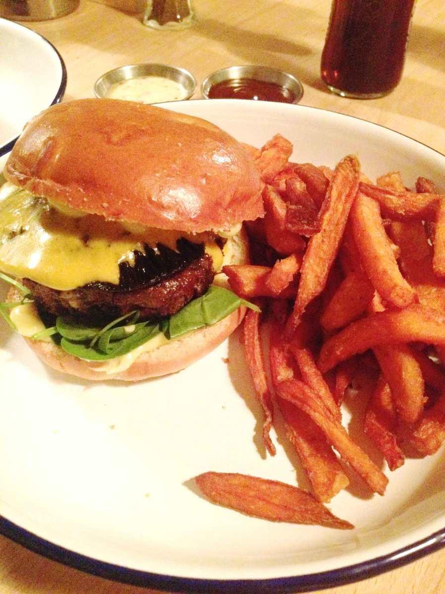 We love burgers otto s burgers project top spot for Ottos burger hamburg